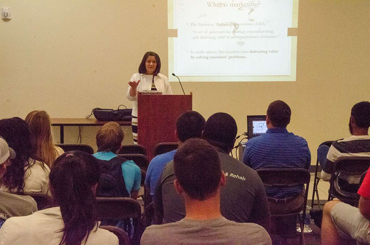 Stephanie Graves speaks to students at Shorter University.
